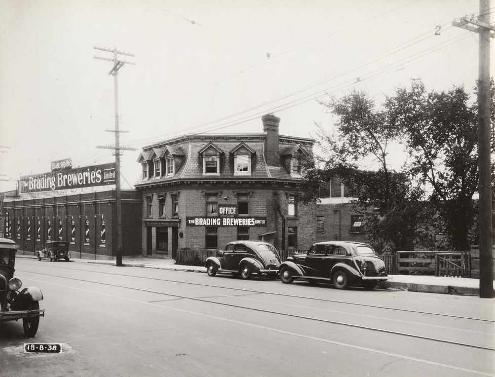 Brading Breweries on Wellington, West of Baldwin Street